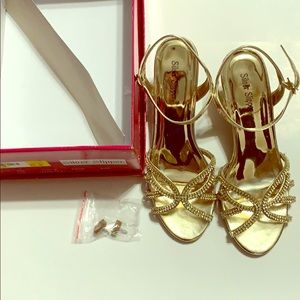 Shoes - Gold dress heels, size 7.5 VGUC